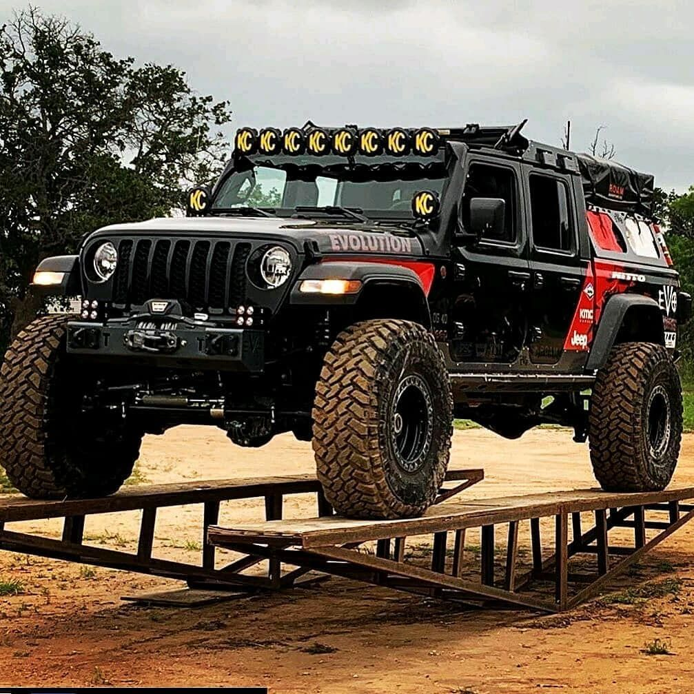 It S Not A Defender But Evoshoppics Jeep Gladiator Follow Us