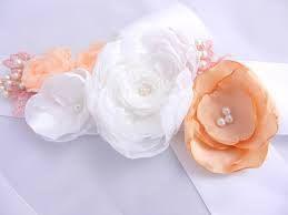 Resultado de imagem para faixa vestido com flores
