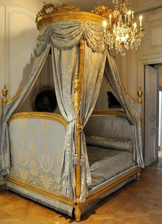 Louis Xvi Bed Lit A La Polonaise To Be Exact