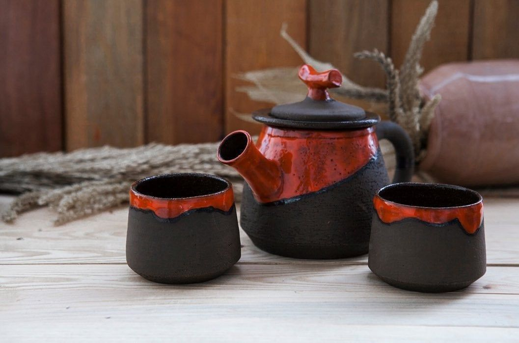 Western Decor Ceramic Teapot Ceramic Teapot Set Ceramic Teapots Thrown Ceramic Teapots Simple Handma In 2020 Ceramic Teapot Set Ceramic Tea Set Pottery Tea Pots