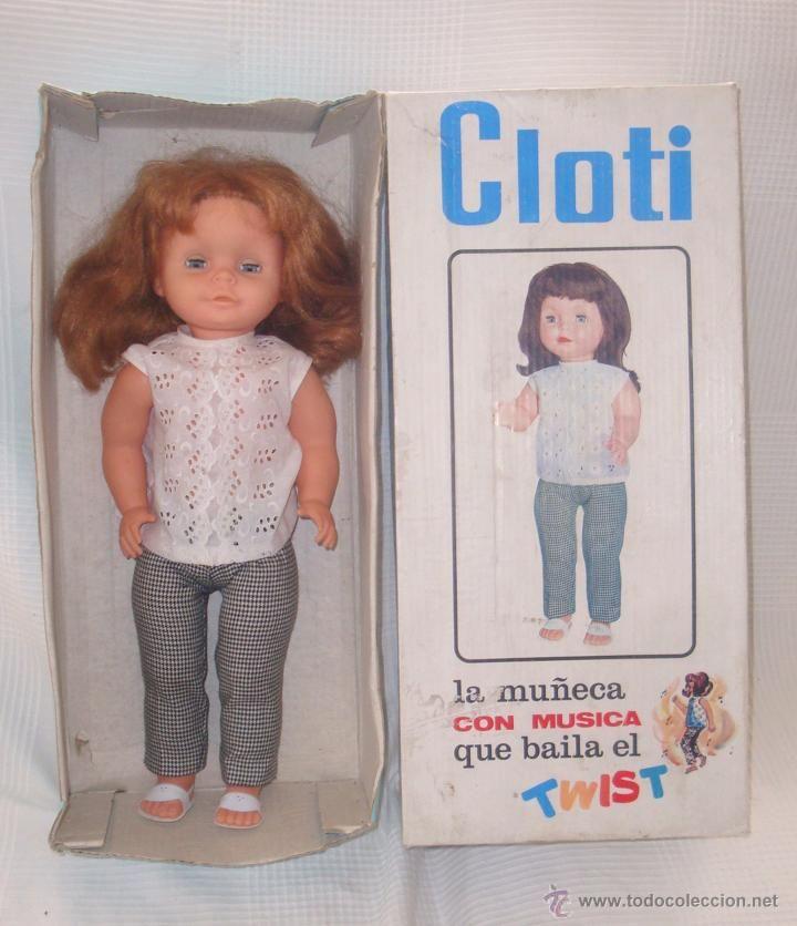 muñeca Cloti con musica ,que baila el twist, funciona, con su caja original