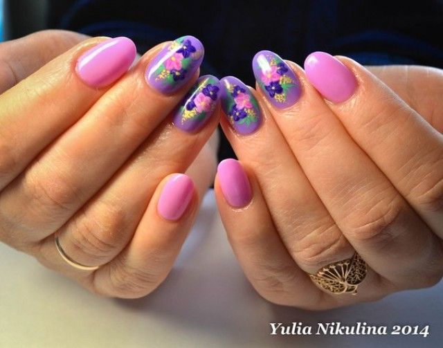 fingernageldesign beispiele bei yulia pink violett mit sticker nageldesign bilder by world. Black Bedroom Furniture Sets. Home Design Ideas