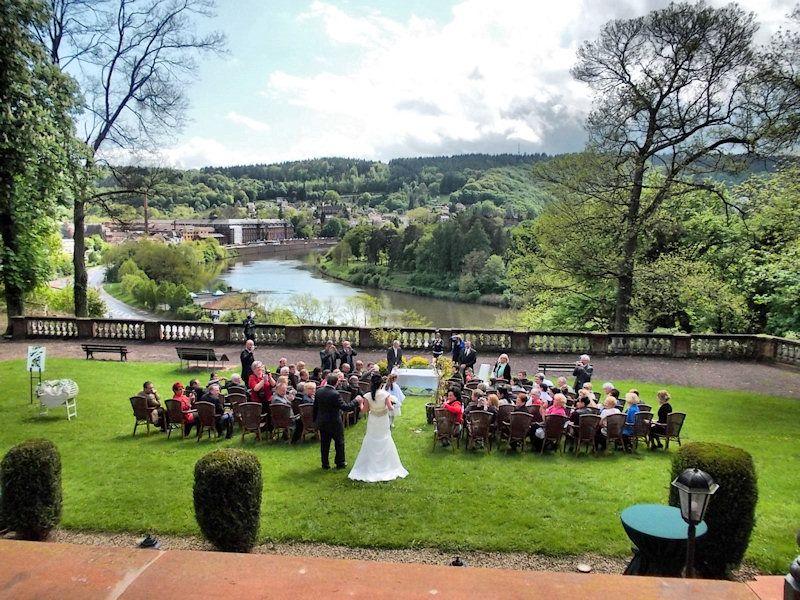 Eine Traumhafte Freie Trauung Auf Schloss Ziegelberg In Mettlach Saar Trauung Hochzeit Heiraten