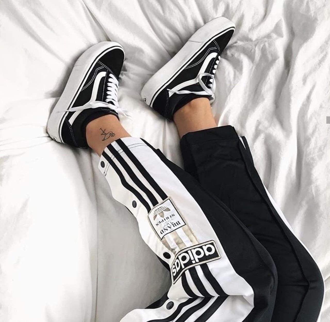 Adidas Trackpants- Vans Old Skool