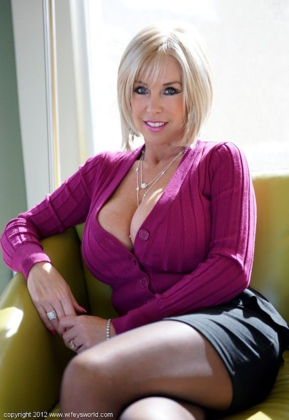 Toni Braxton Nude Photos 57