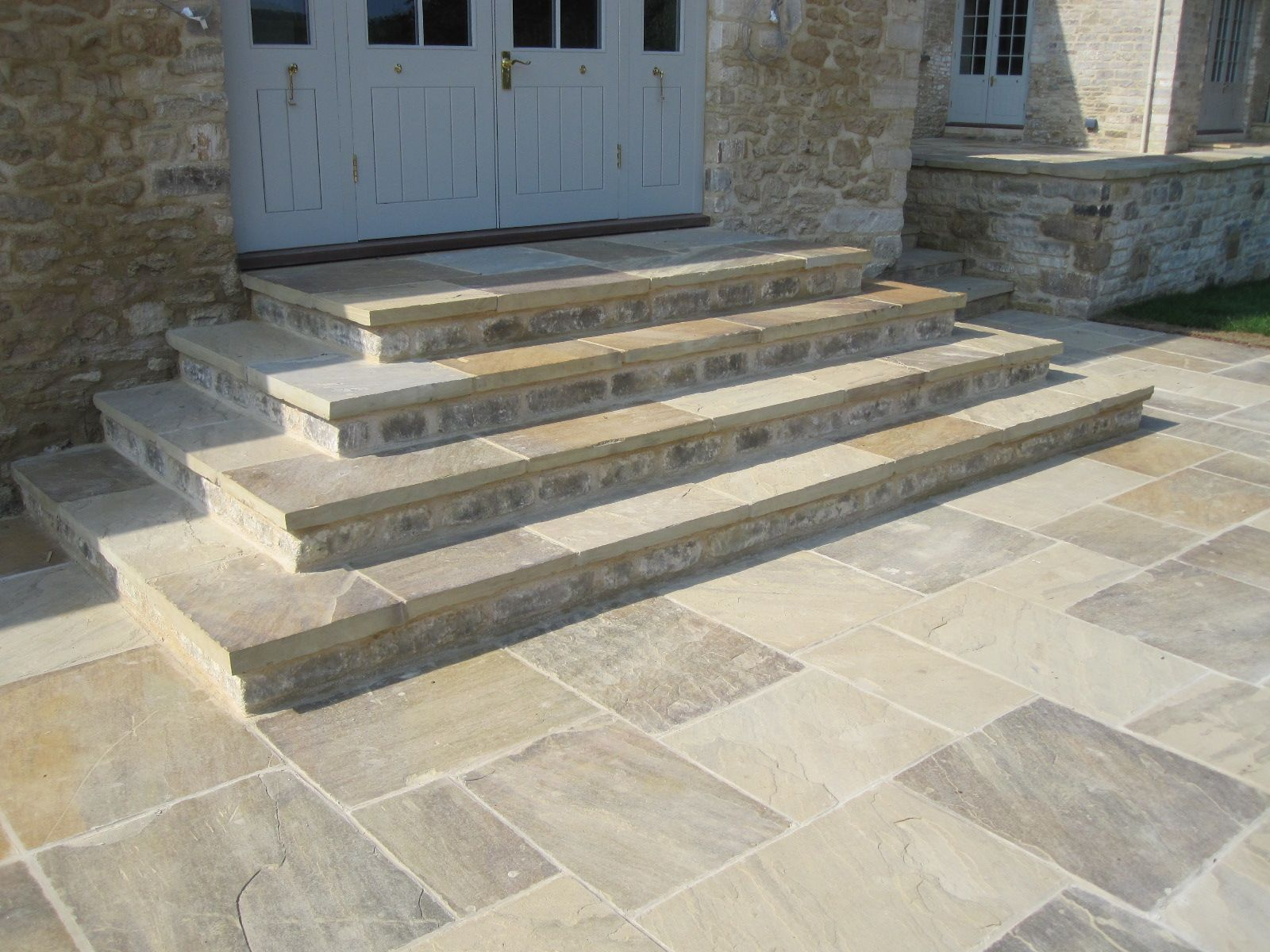 New riven yorkstone paving flags by natural stone for Garden paving ideas designs