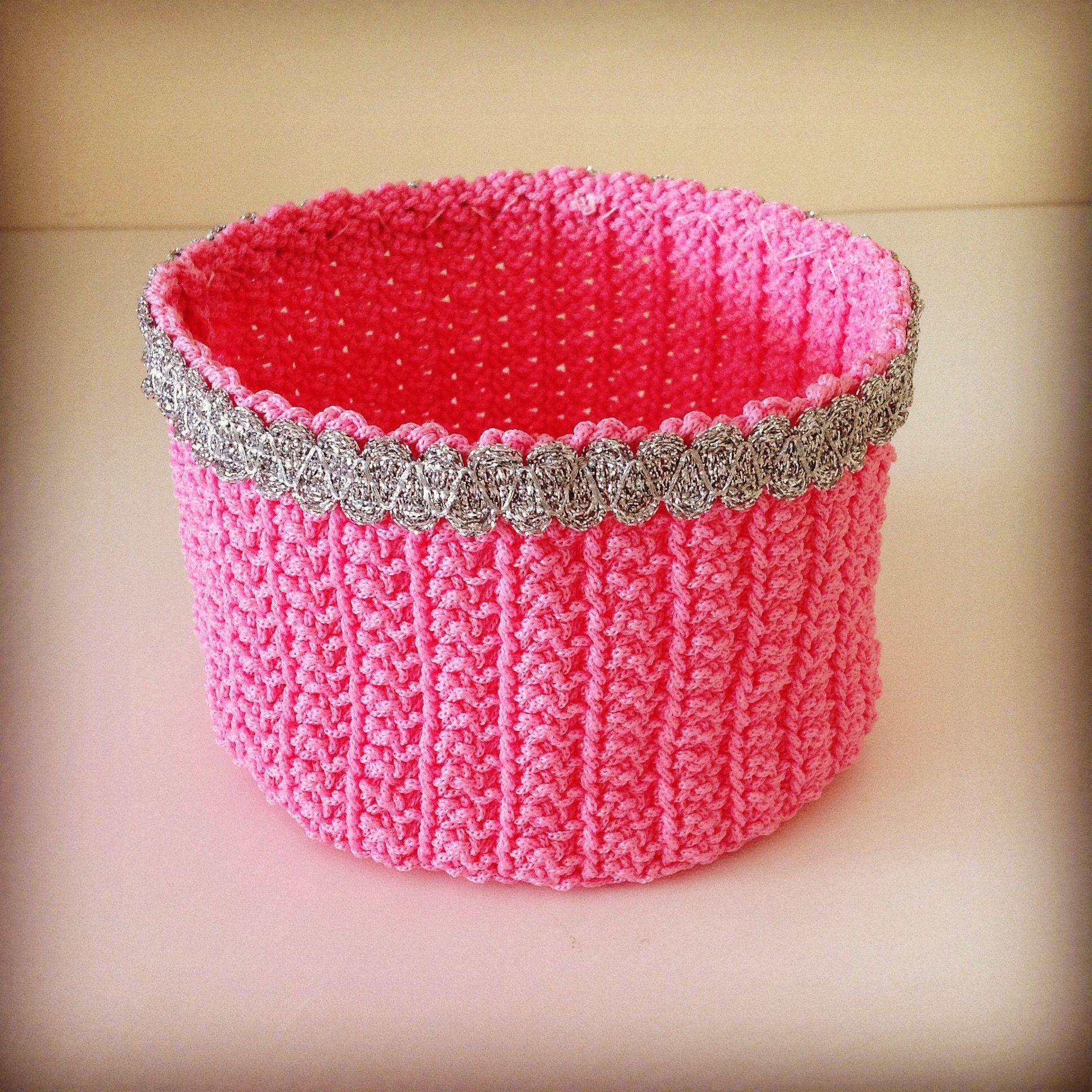 Sepet / knitted basket