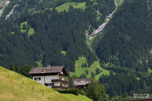 Домик в швейцарии квартира батуми купить