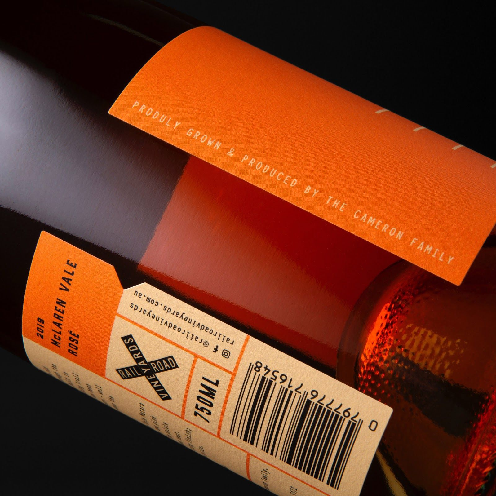 Railroad Vineyards Wine On Packaging Of The World Creative Package Design Gallery In 2020 Wine Packaging Design Wine Packaging Wine Design