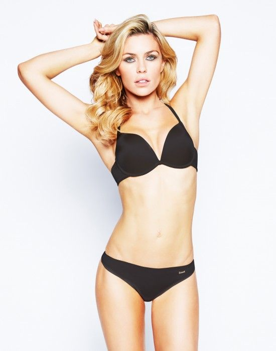 Review  Ultimo OMG plunge bra and invisible shorts Abbey Clancy be0cf464b