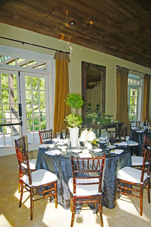 Beautiful sunny table in The Barn. www.innatwillowgrove ...