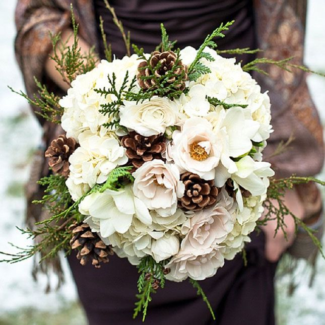 Rustic Wedding Flowers Ideas: Add Pinecones To Your Wedding Bouquet For A Rustic Flair
