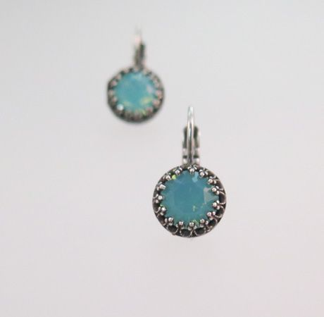 8mm pacific blue Vintage Style Earrings