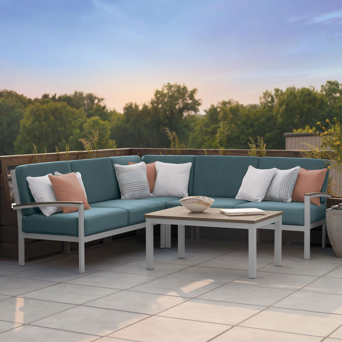 Outdoor Furniture | Madrone Collection | Thos. Baker