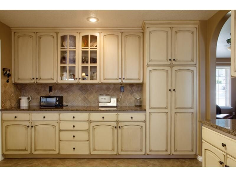 Painting Oak Cabinets An Antique White Telisa S - How To Paint Oak Cabinets Antique White - Imanisr.com