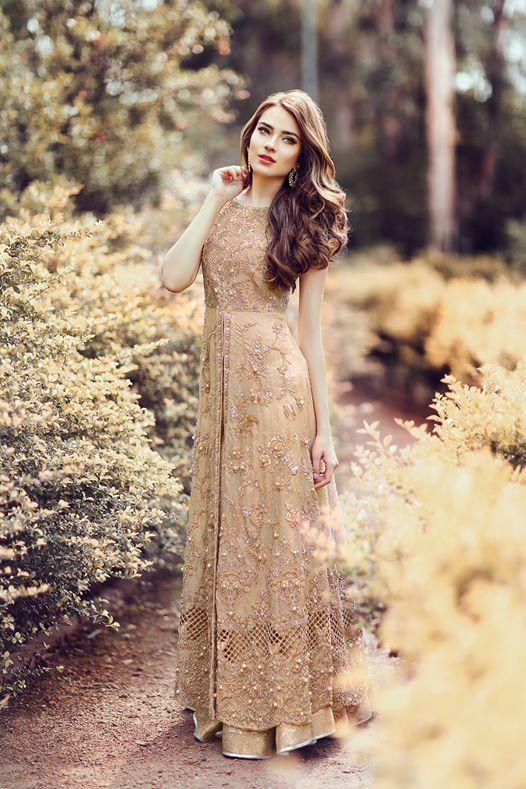 2fe0486ee2 Pakistani Gowns, Pakistani Fashion Party Wear, Beautiful Pakistani Dresses,  Pakistani Models, Pakistani