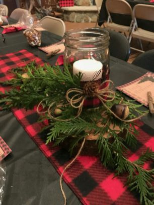 44 Beautiful Country Christmas Decoration Ideas for Your Home - country christmas decorations