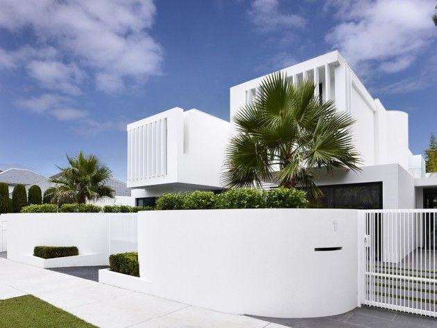 The all-white Brighton townhouses in Australia #architecture #design