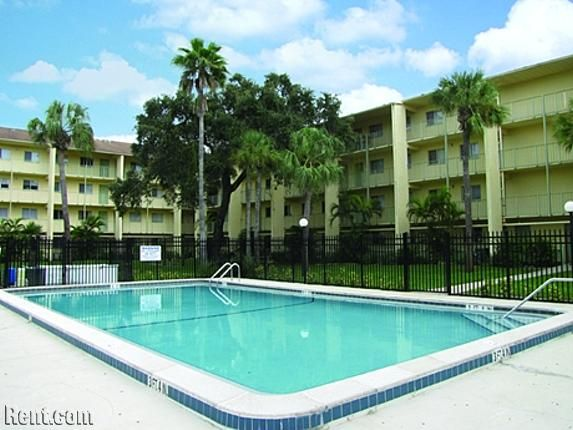 Sunrise Towers 2811 2845 Central Avenue Fort Myers Fl 33901 Rent Com Sunrise Tower Apartment Fort Myers