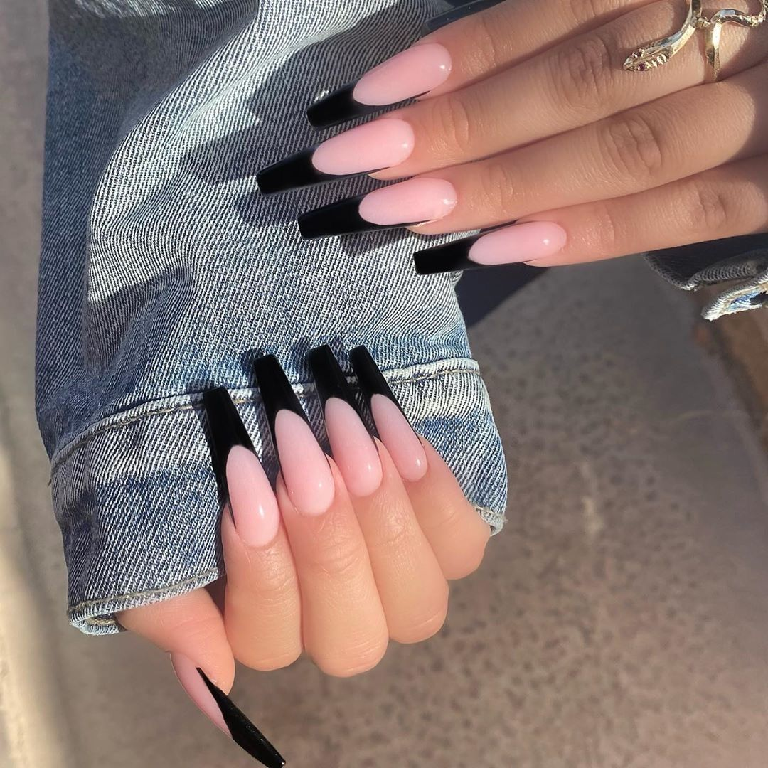 Image about black in Acrylics 💅🏼 by Finally Reache