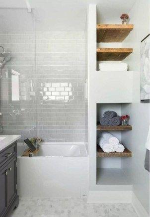 Totally Brilliant Small Master Bathroom Design Ideas 22