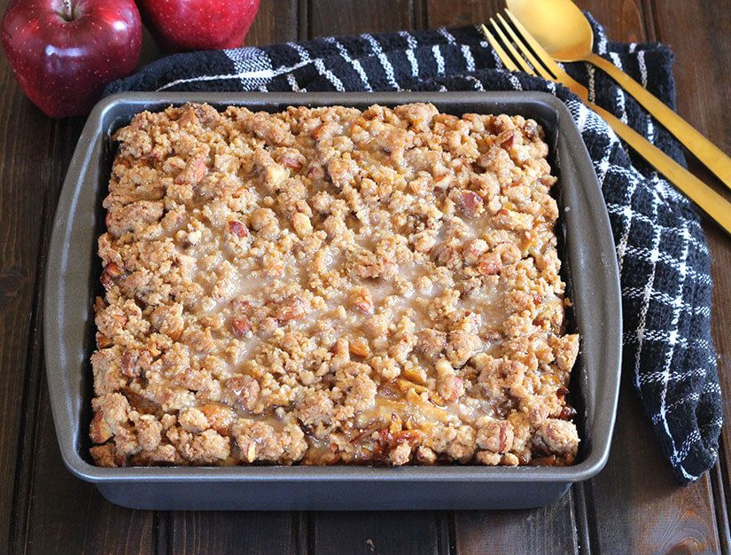 APPLE COFFEE CAKE WITH CRUMB TOPPING | Apple coffee cakes ...