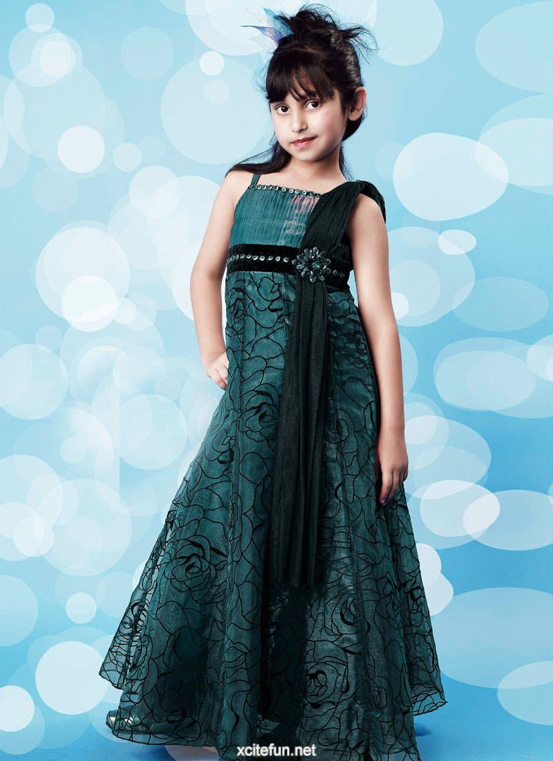Latest kids party wear frocks designer frocks for girls for Dress dizain photo