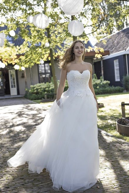 Damore I Curves Collection by Modeca: Prinzessin & Ball Gown ...