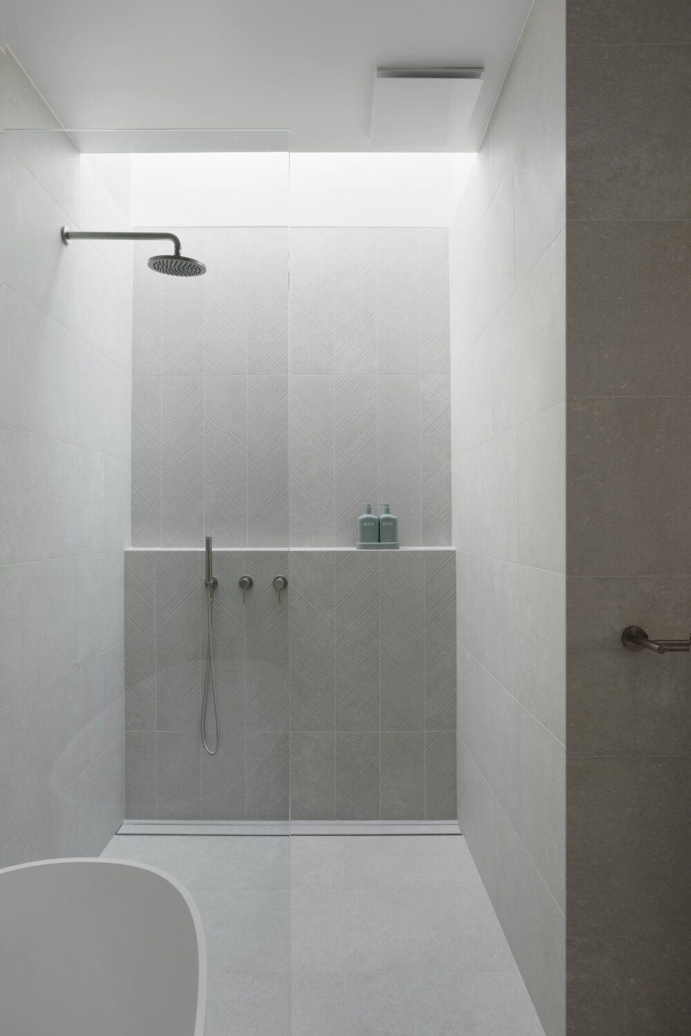 How To Choose The Perfect Feature Tile For Your Bathroom — Zephyr + Stone