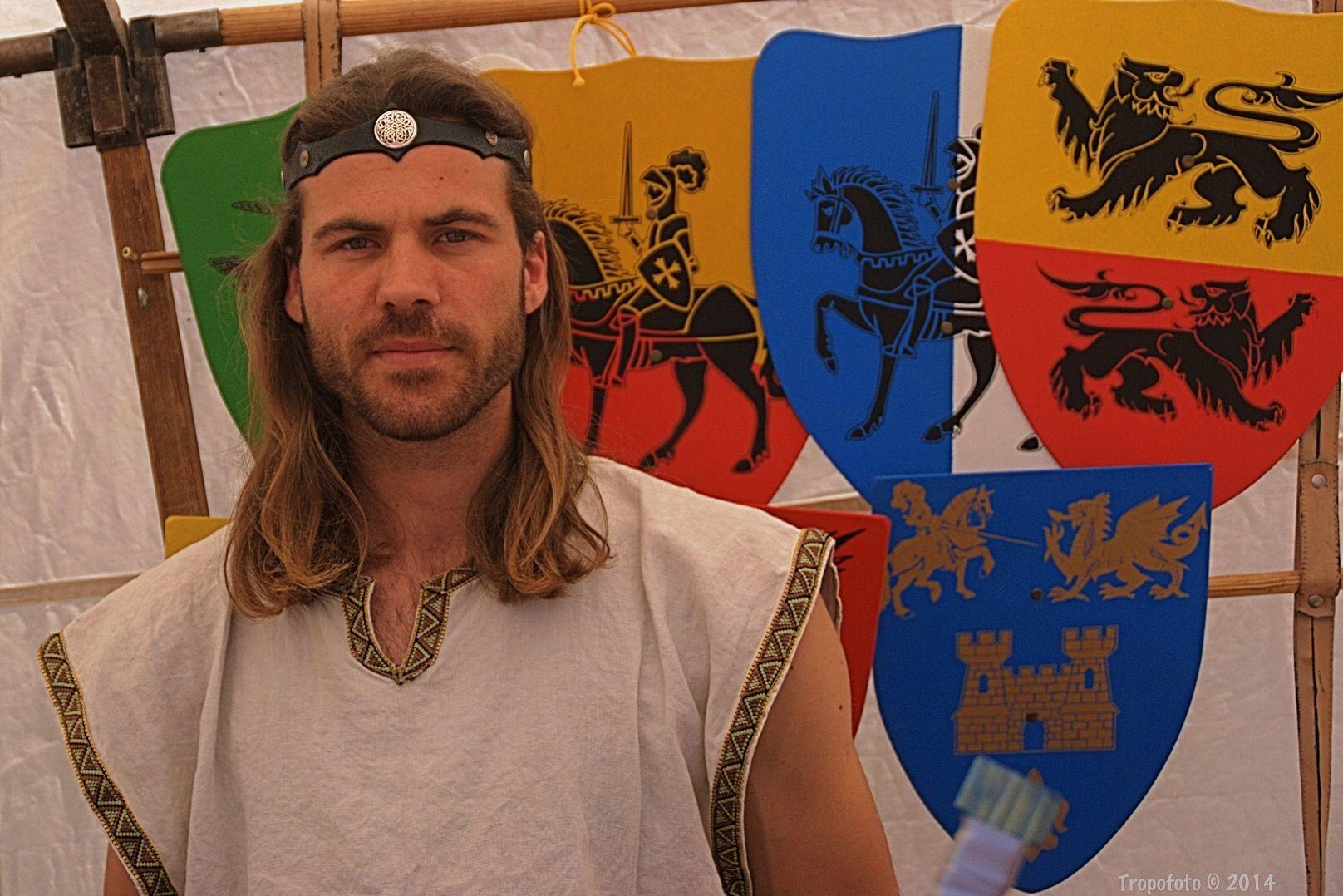El señor de los escudos (Más info/fotos en http://www.tropofoto.com/2015/04/29/el-senor-de-los-escudos/)