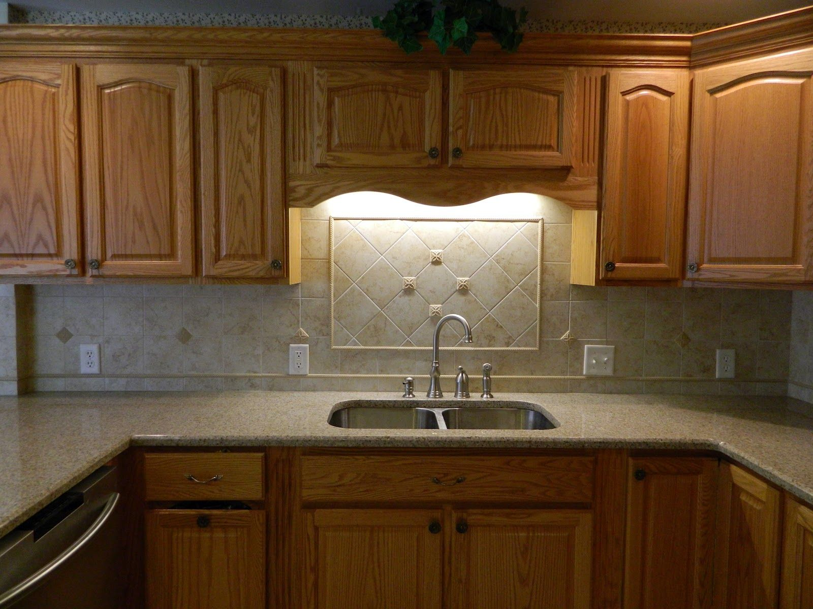 Oak Kitchen Cabinets With Granite Countertops : Kitchen awesome oak cabinets with granite
