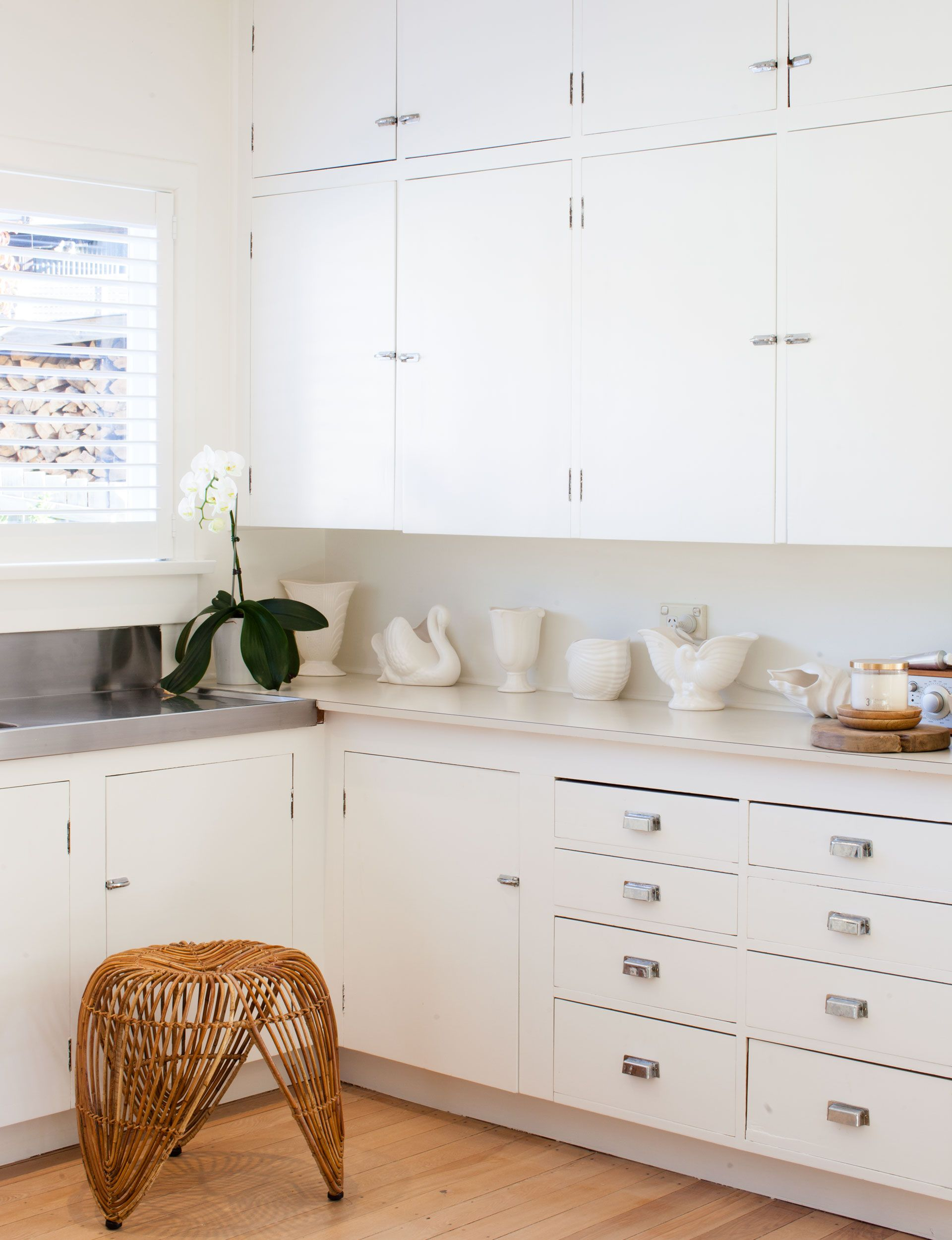 Arrowtown cottage gets a dreamy makeover with white and natural accents