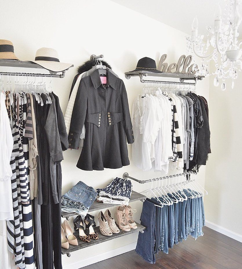 15 Ideas Para Organizar Tu Closet Sin Gastar Una Fortuna Store Design Boutique Walk In Wardrobe Boutique Interior
