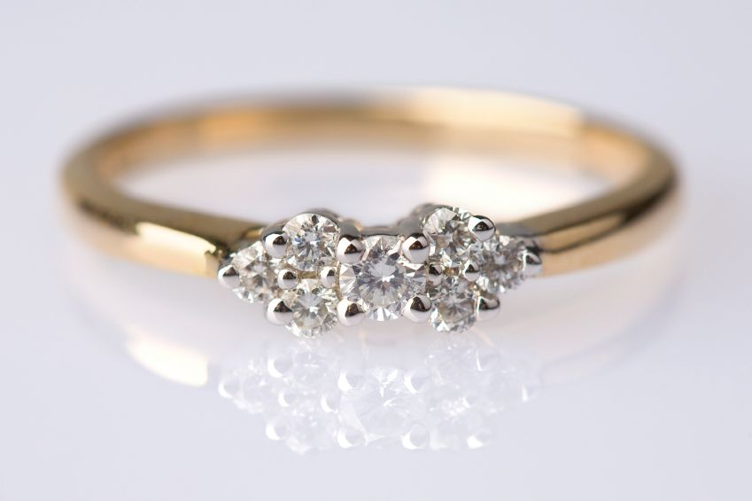 antique engagement ring 2 very pretty and diamonds are. Black Bedroom Furniture Sets. Home Design Ideas
