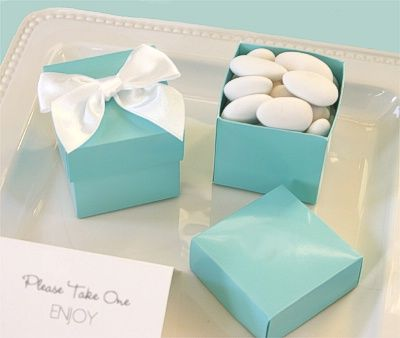 Wedding Favors Fill Teal Blue Boxes With Assorted White Candies