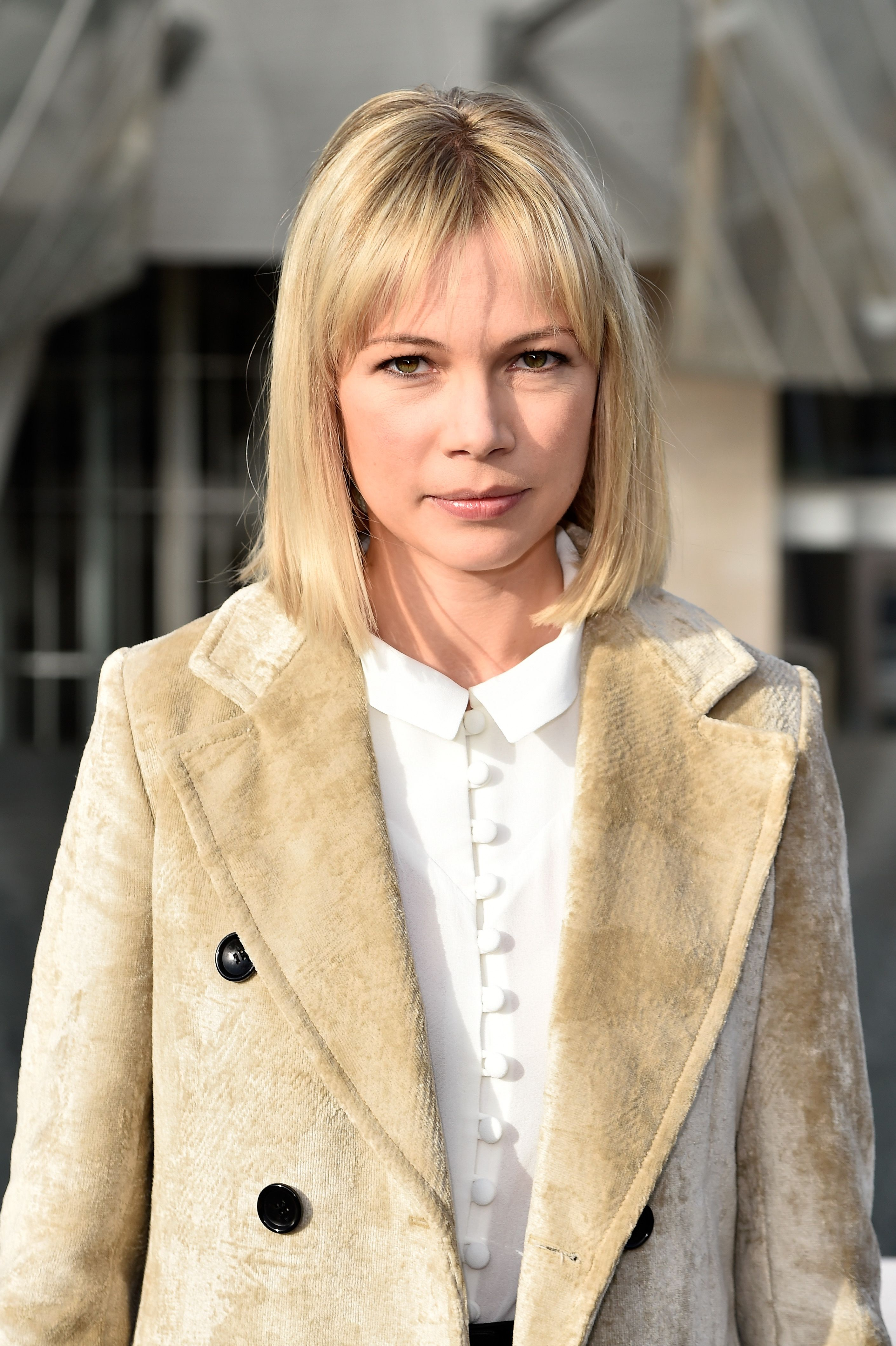 Michelle Williams debuted her new lob that s a long bob FYI
