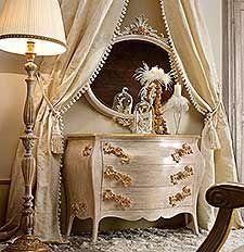 Comò e comodini classici e di lusso in stile veneziano e fiorentino ...