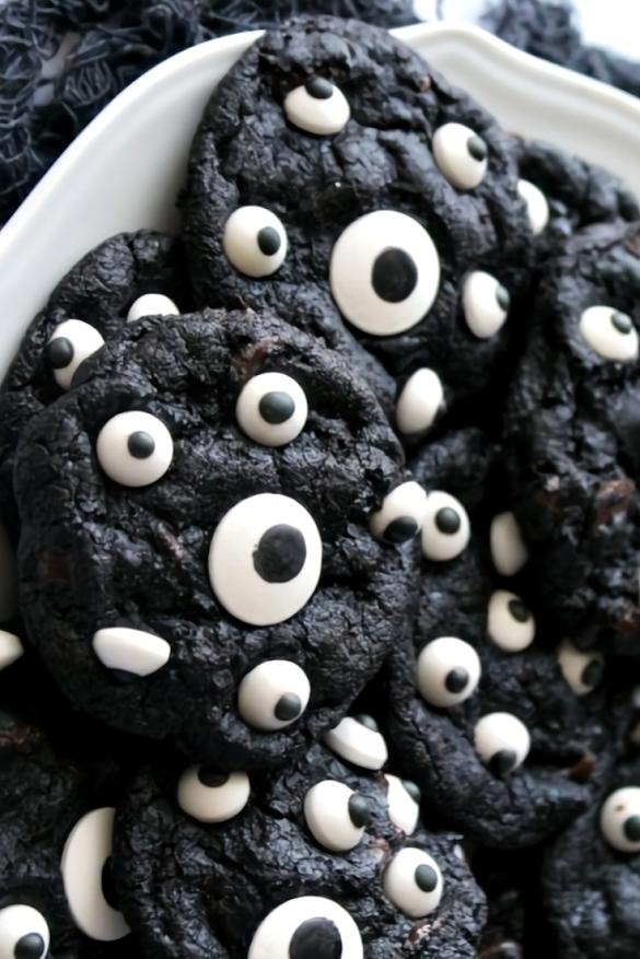 Spooky Halloween Cookies #halloweencookiesdecorated