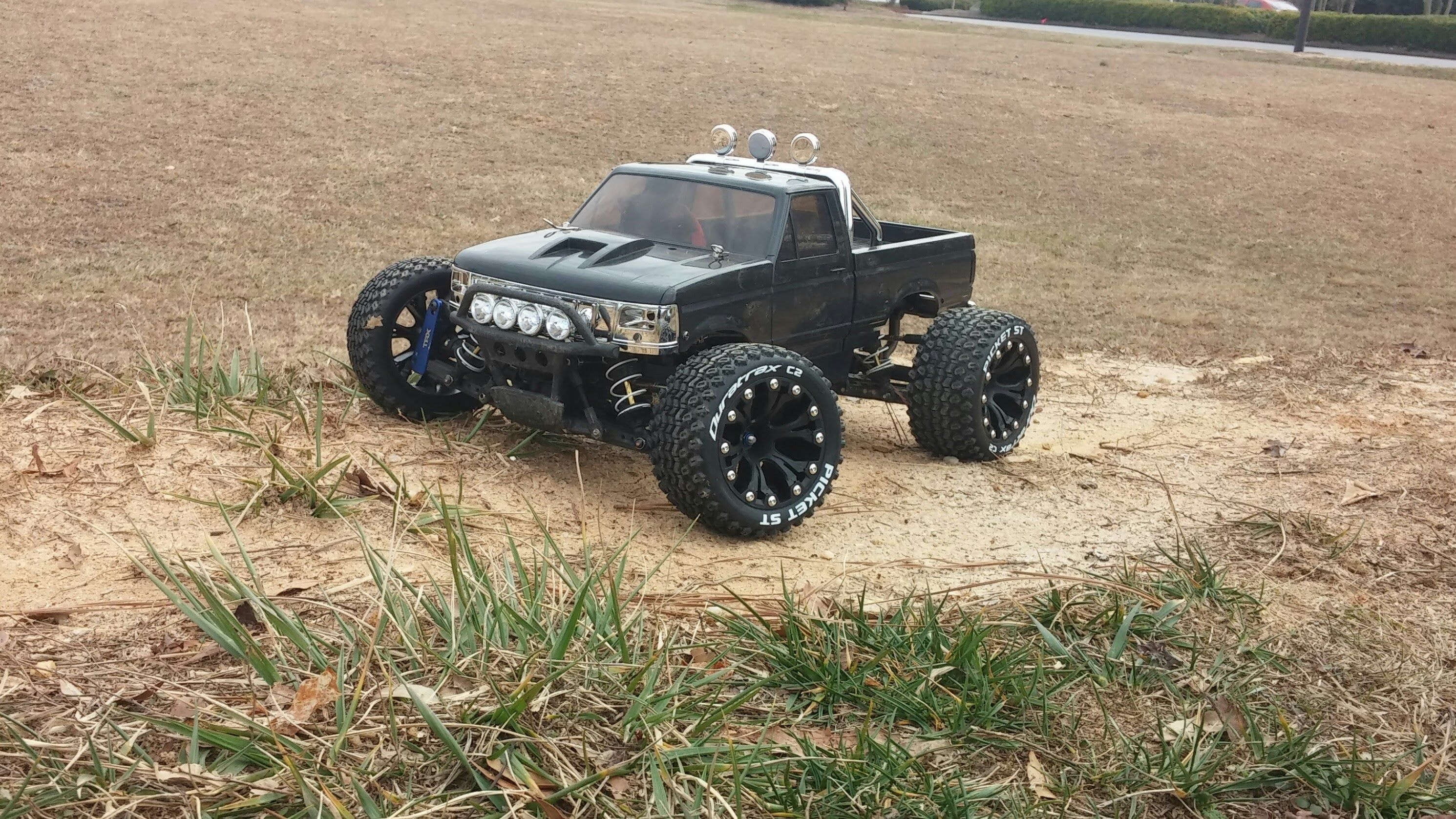 Traxxas stampede vxl run with Blackfoot Xtreme Body and Duratrax Tires & Wheels