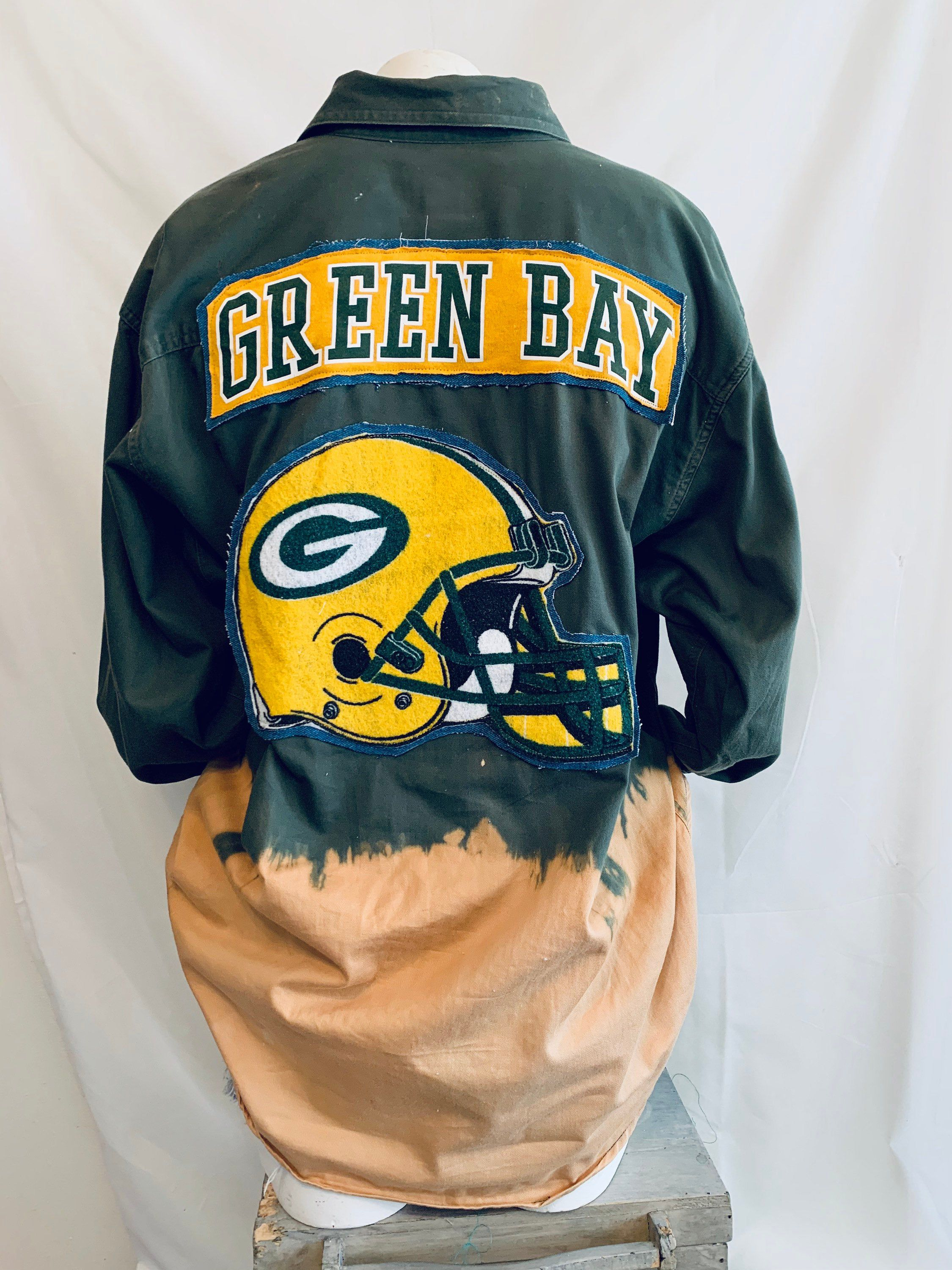90s Green Bay Packers Upcycled Nfl Sperbowl Button Up Shirt Etsy In 2020 Gameday Outfit Green Bay Packers Clothing Shirts