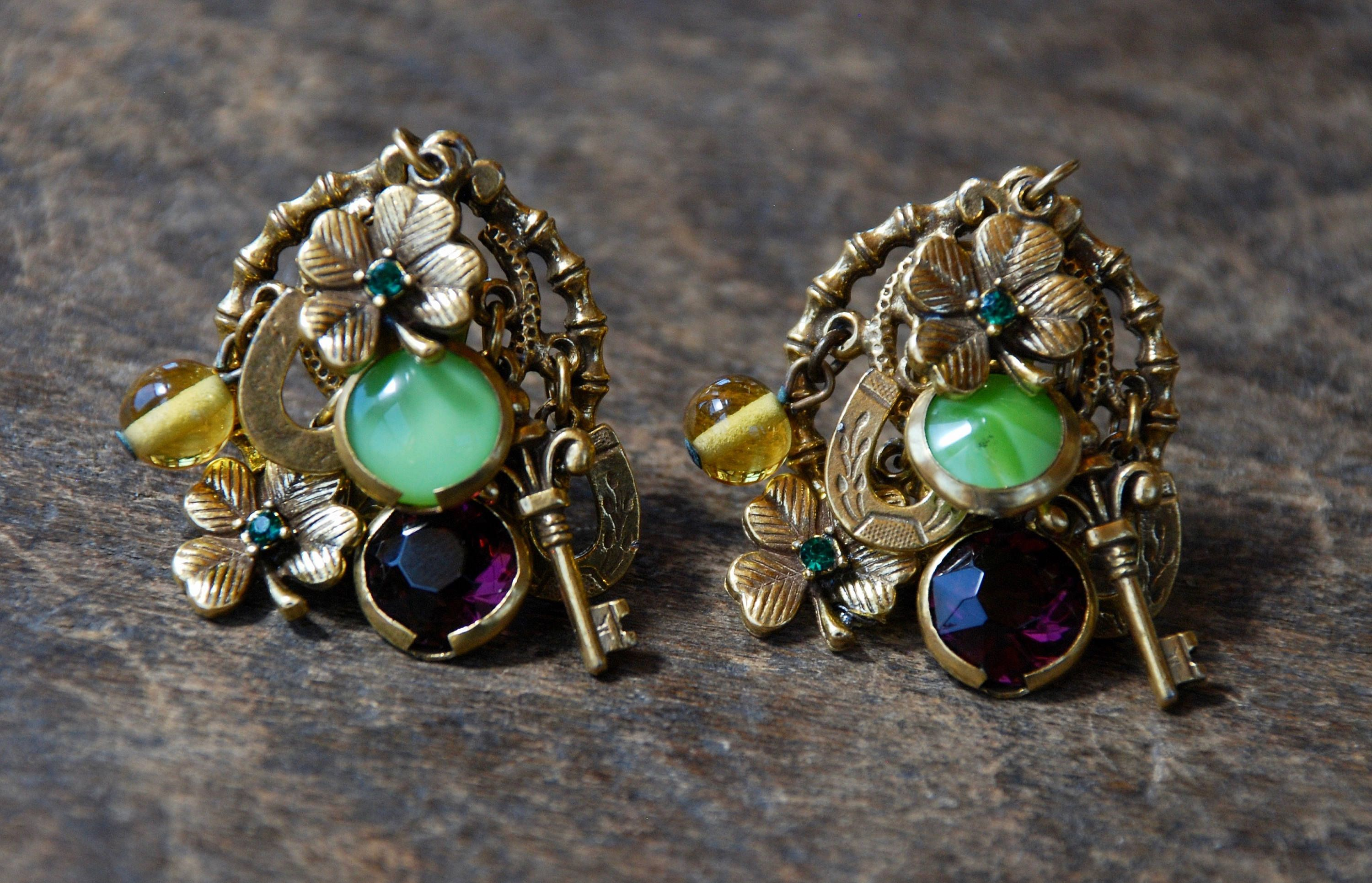 Vintage Signed ART Clip On Earrings Arthur Pepper Clovers