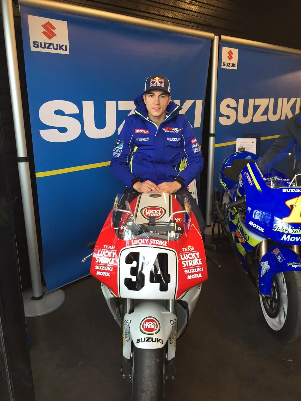 Suzuki RGV-Γ with Maverick Viñales