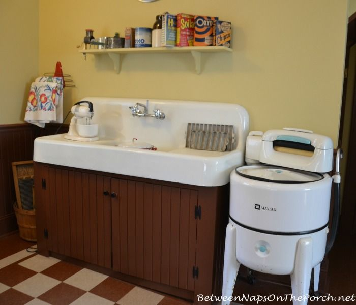 Inside The Kitchen Of A Christmas Story Movie House A Christmas Story Old Fashioned Kitchen Christmas Story Movie