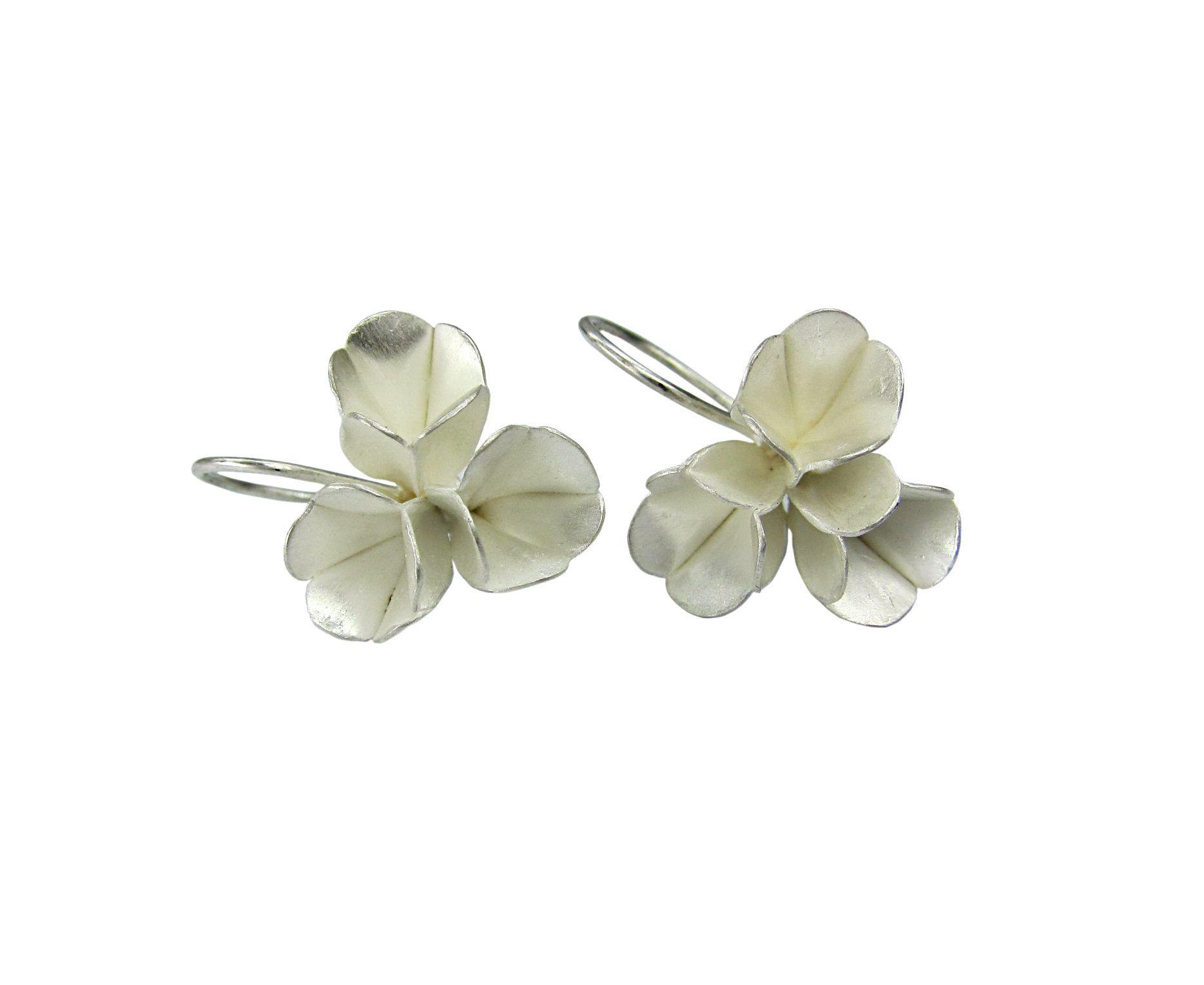 Silver earrings by Dörte Dietrich