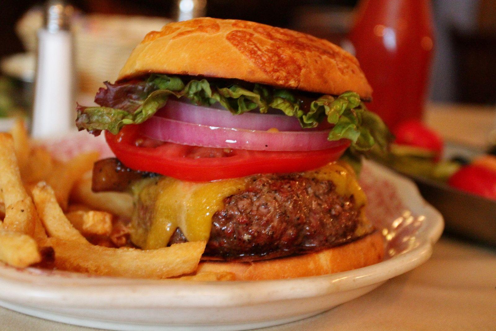 Yumminy Burger Hitching Post 2 Buellton Ca Burger Food Eat