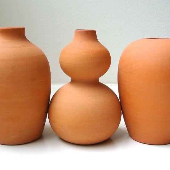 die besten 25 terracotta vase ideen auf pinterest. Black Bedroom Furniture Sets. Home Design Ideas