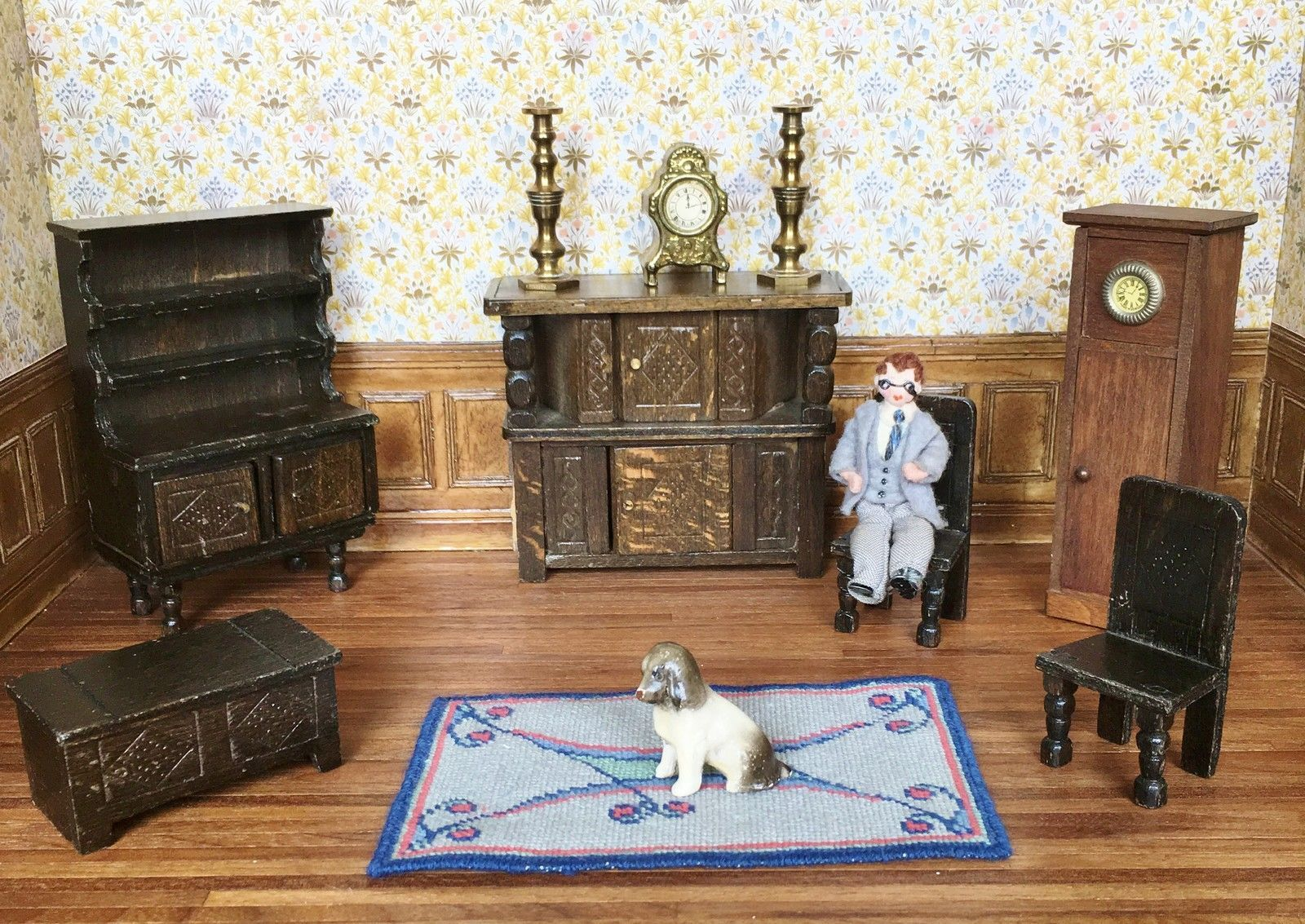 Attractive Dolls House Furniture 1:16 Barton Tudor Grecon Vintage 1930 1984