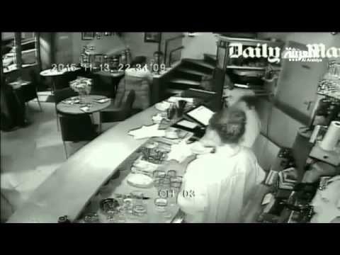 بث أول فيديو يظهر لحظة الهجوم على مقهى في باريس Paris France Concert Youtube