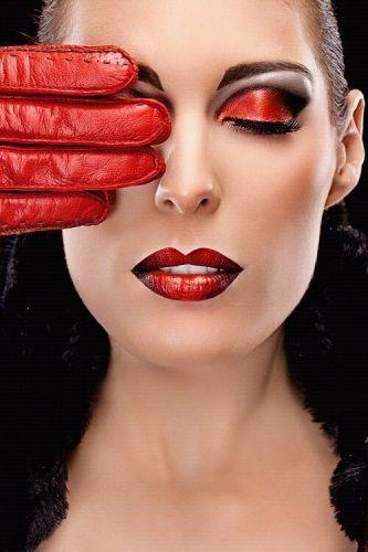 Photographer: Mandy Glasbergen, Model: Larisa Dodz