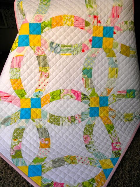Sew Kind Of Wonderful Quilted Up The Tester Dwr Quilt Double Wedding Ring Quilt Machine Quilting Designs Quilts